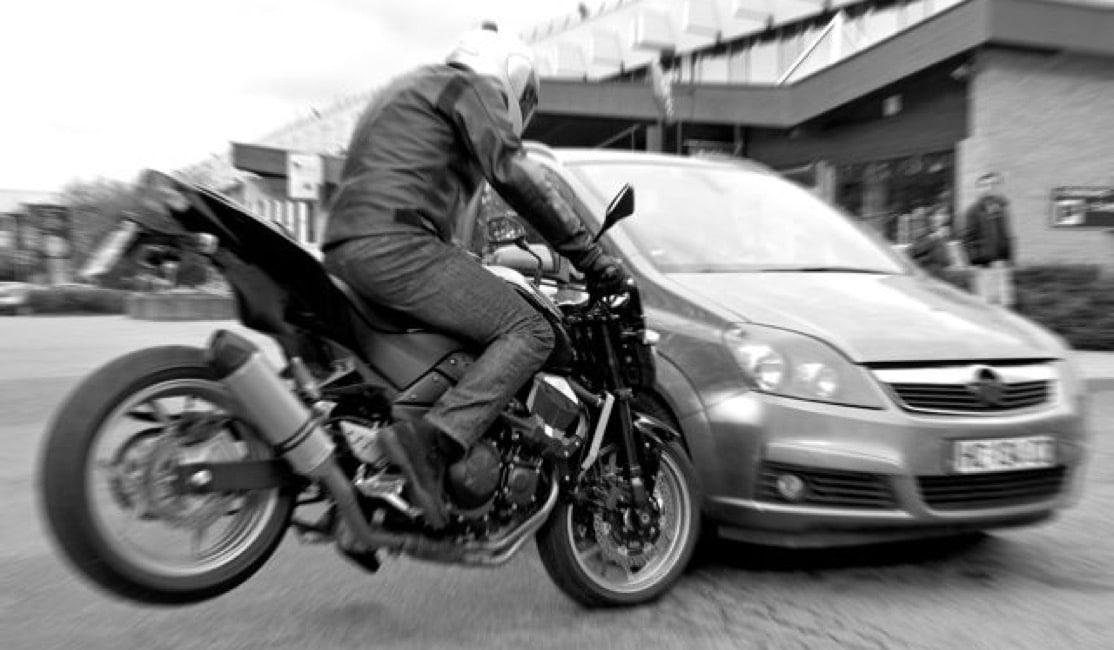 conduire en ayant conscience du danger permis moto fiche n 5. Black Bedroom Furniture Sets. Home Design Ideas